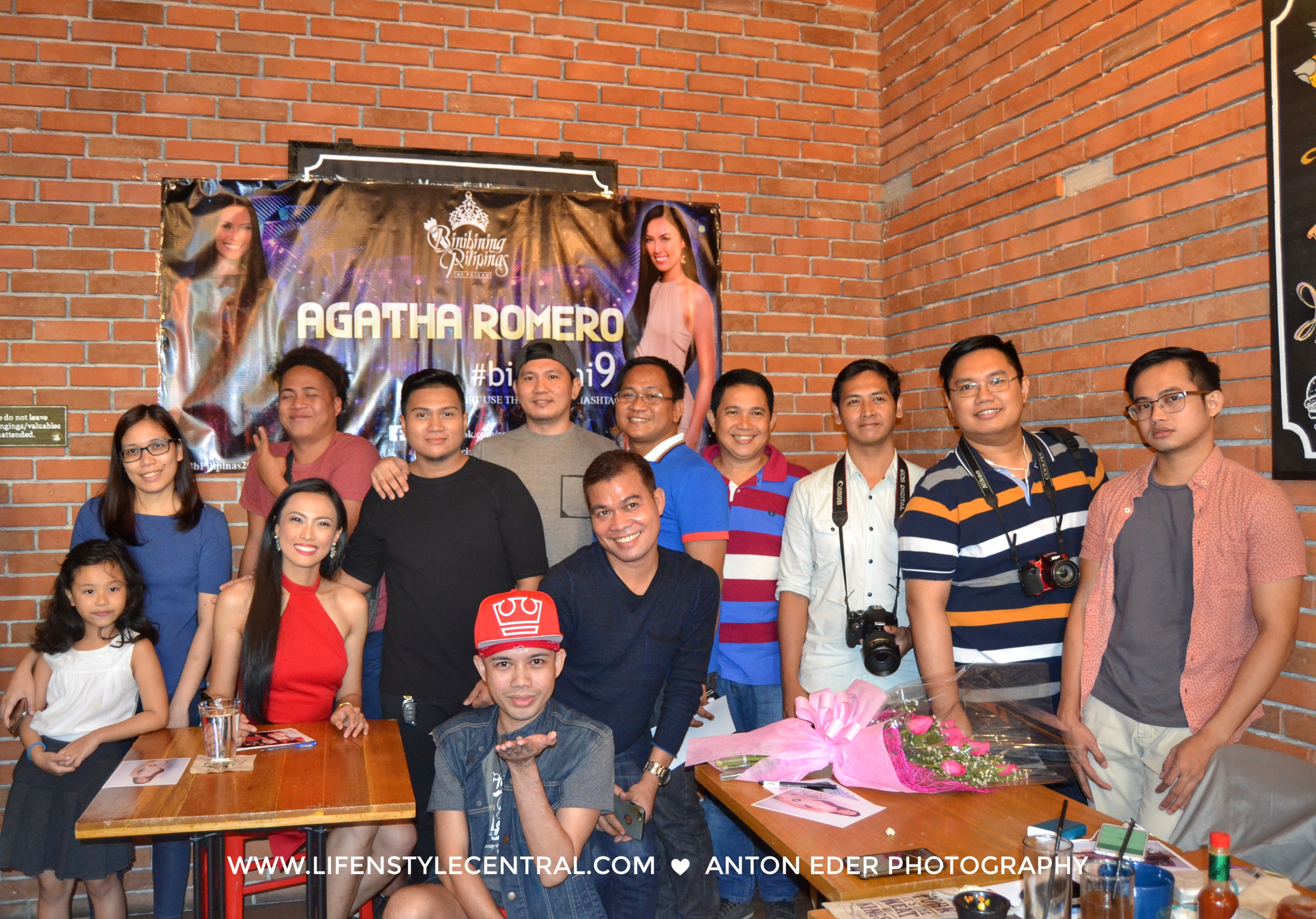 Binibini 9 Agatha Romero with the invited pageant admins and bloggers.